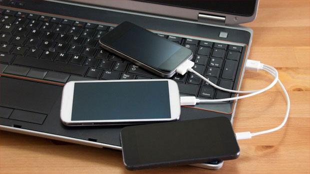 ноутбук и смартфоны