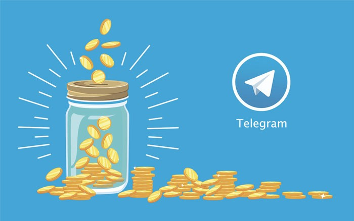 банка с монетами и ярлык Телеграм